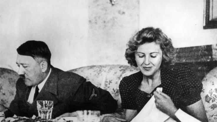 In München werden mehrere Gegenstände von Hitler und seiner Frau Eva Braun versteigert. (Foto)