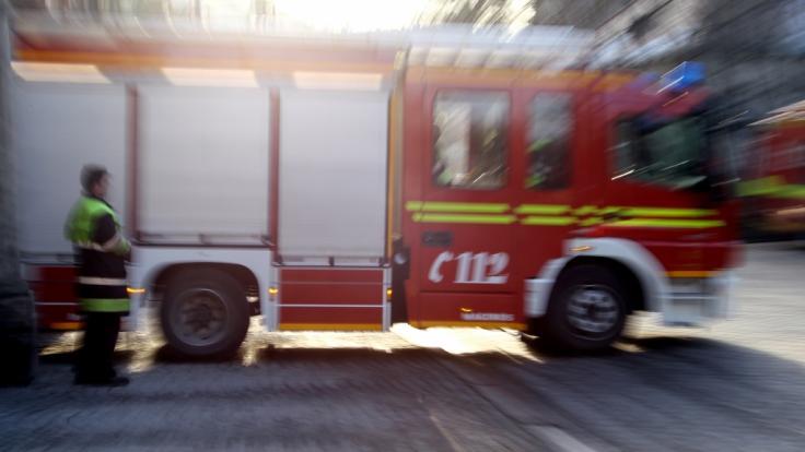 Bei Bränden in Rostock sind mehrere Menschen verletzt worden (Symbolbild).