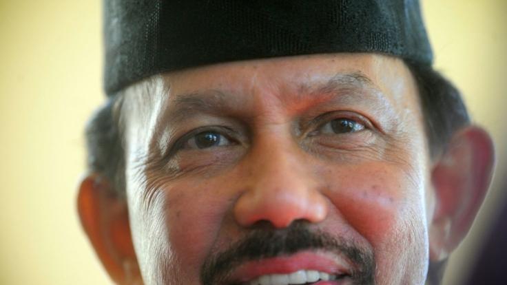 Hassanal Bolkiah, der Sultan von Brunei, soll 20 Milliarden US-Dollar horten.