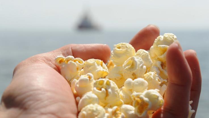 Das Unternehmen Seeberger ruft seinen Popcorn-Mais zurück. (Symbolbild)