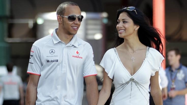 Nach dem Bianchi-Unfall gibt Nicole Scherzinger zu: Ich habe Angst um Lewis Hamilton.