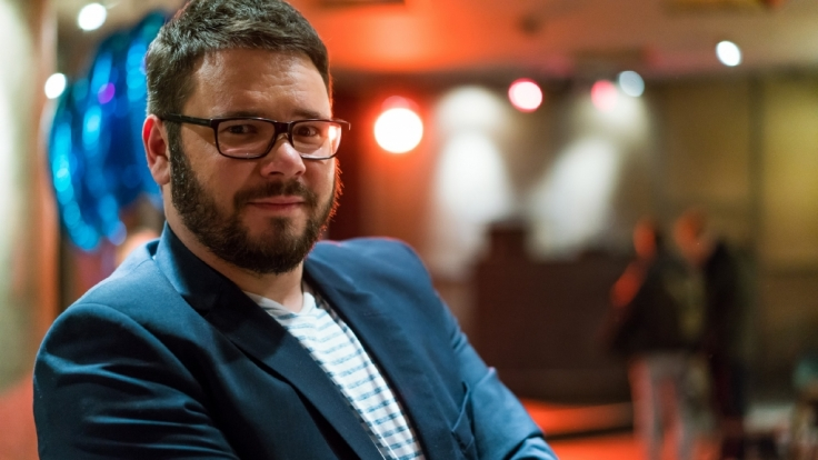 Seit 2009 verkörpert Thomas Drechsel den beliebten Bar-Besitzer Max Tuner Krüger in der RTL-Soap GZSZ.