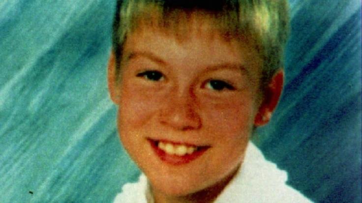 Das Polizeifoto zeigt die 10-jährige Ramona, deren Leiche 1997 in einem Wald nahe Eisenach gefundenen wurde. 20 Jahre später hat die Polizei einen Tatverdächtigen!