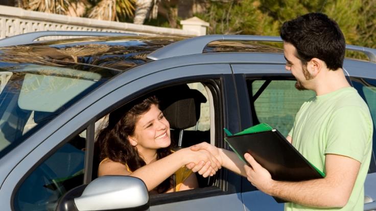 Gerade beim Autokauf von Privatpersonen sollte man nie zu blauäugig sein - Betrüger lauern überall. (Foto)