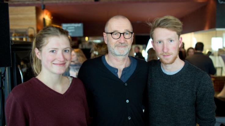 Louis Klamroth mit seinem Vater Peter Lohmeyer und Schwester Lola Klamroth. (Foto)