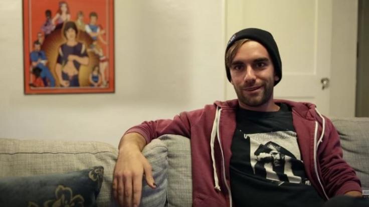 Logan Pierce erzählt wie so ein Arbeitsalltag als männlicher Porno-Star aussieht.