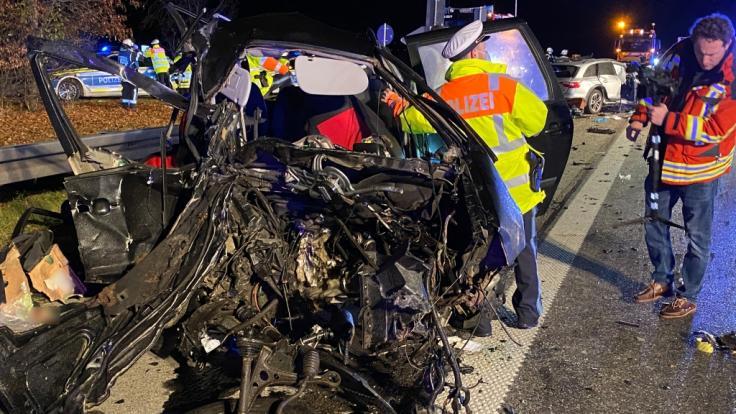 Auf der Autobahn A99 bei Hohenbrunn (Landkreis München) starben vier Menschen bei einem Geisterfahrer-Unfall. (Foto)
