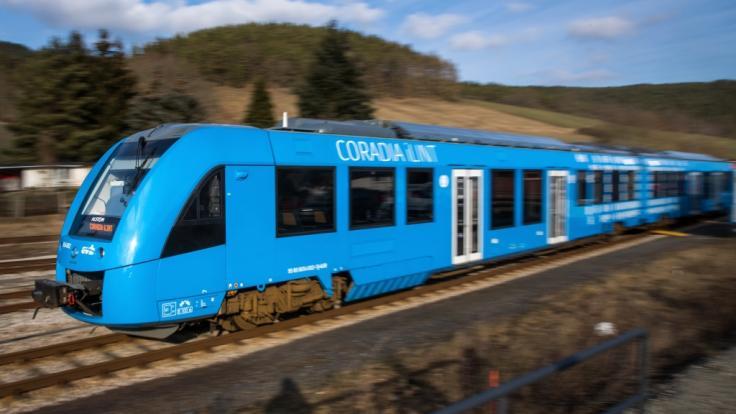 Erster Wasserstoff-Zug der Welt im Einsatz