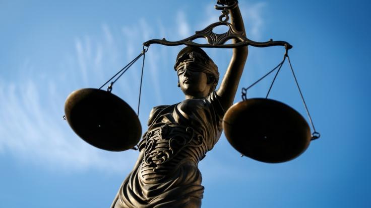 In Kalifornien ist ein deutscher Lehrer wegen sexueller Handlungen mit einer 15-Jährigen verurteilt worden (Symbolbild). (Foto)