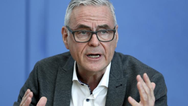 Uwe Janssens sieht die Lage auf den Intensivstationen weiter angespannt. (Foto)
