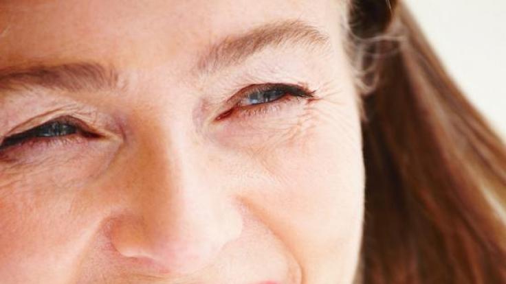 Weniger ist mehr: Im Alter dezentes Make-up nutzen (Foto)