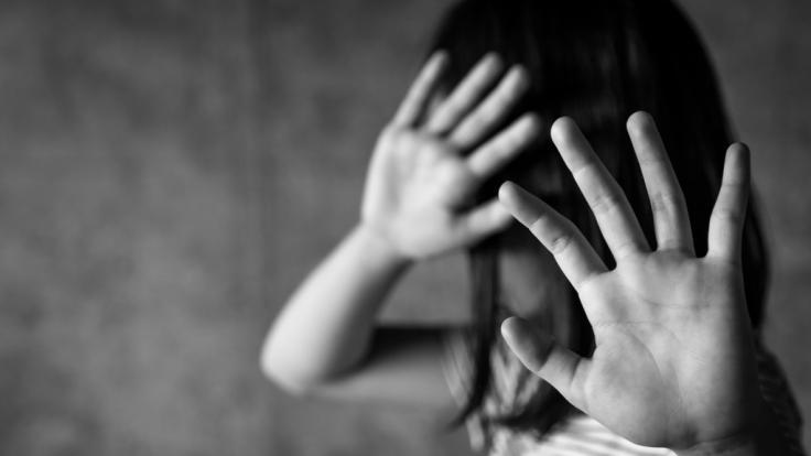 Ein junges Mädchen aus England litt nach sexuellem Missbrauch unter Selbstmordgedanken und verletzte sich selbst (Symbolbild). (Foto)