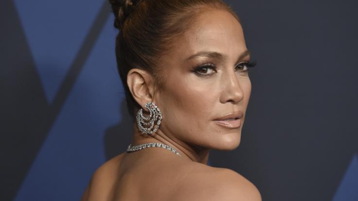 Jennifer Lopez spannt ihre Fans auf die Folter.