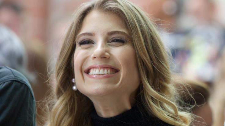 Cathy Hummels hat als erfolgreiche Influencerin und Spielerfrau gut lachen. (Foto)