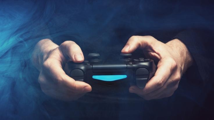 Ein Mann ist in Wales beim Zocken mit der Spielekonsole gestorben (Foto)