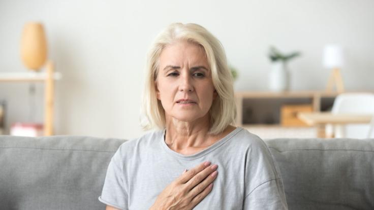 Laut einer Studie haben Frauen die vor ihrer Menopause ihre Periode länger hatten, ein höheres Risiko für Herzkrankheiten. (Foto)