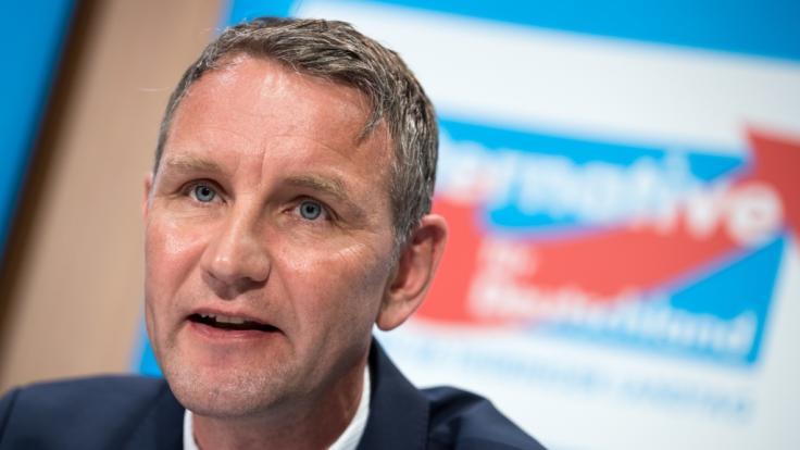 Der Justizausschuss des Thüringer Landtags soll Berichten zufolge Björn Höckes Immunität aufgehoben haben.