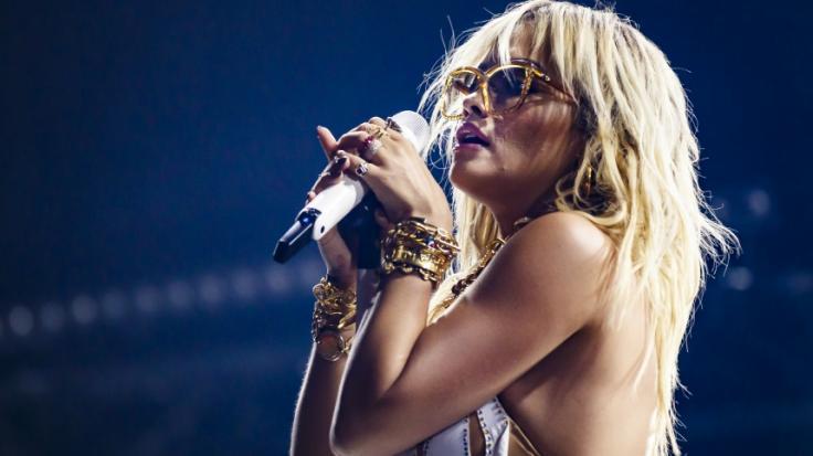 Rita Ora trauert um ihre verstorbene Großmutter. (Foto)