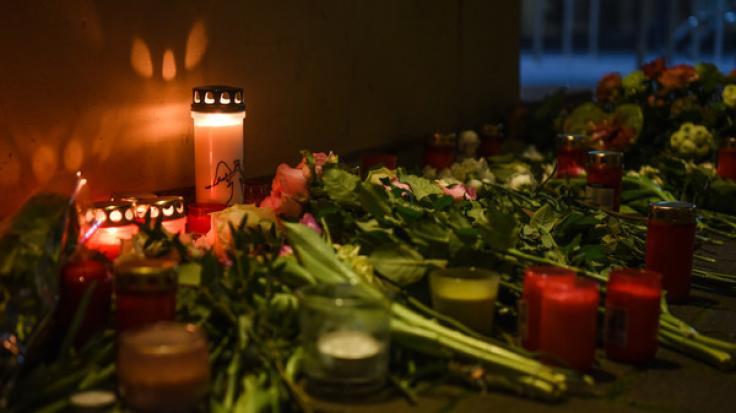 Nach dem Terror-Akt von Hanau mit 11 Toten ist die Bestürzung groß.