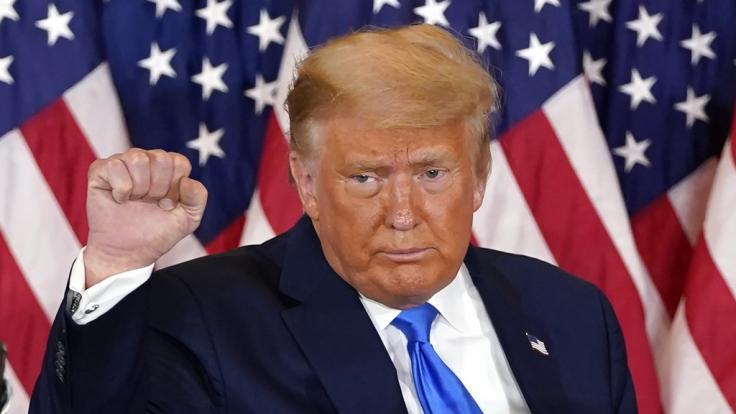 Donald Trump klammert sich mit aller Macht an sein Amt. (Foto)