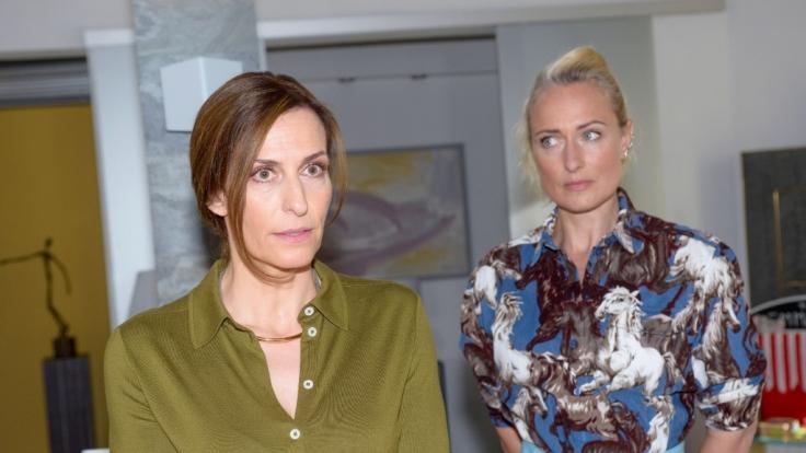 Maren (Eva Mona Rodekirchen) macht sich Sorgen um Katrin (Ulrike Frank). (Foto)