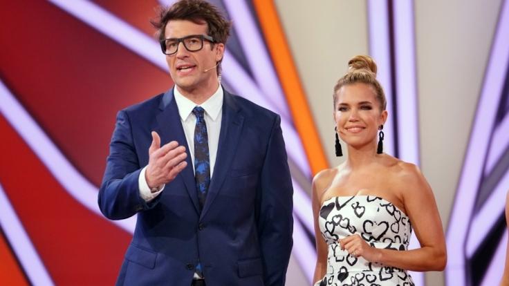 """Die """"Let's Dance""""-Moderatoren Sylvie Meis und Daniel Hartwich führen auch an diesem Freitag wieder durchs Programm. (Foto)"""