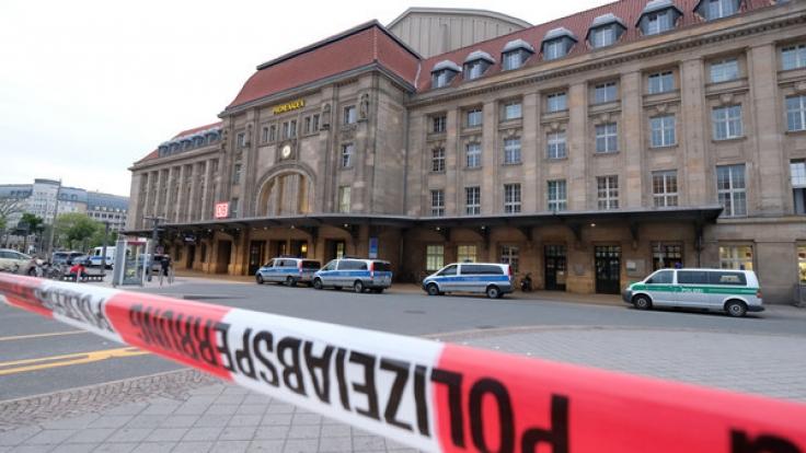Ein Mann hat auf dem Leipziger Hauptbahnhof eine Frau mit einem Küchenmesser attackiert. (Foto)