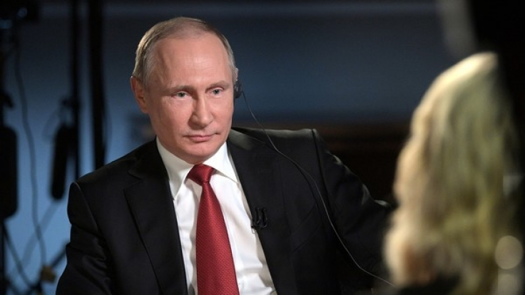 Russlands Präsident Wladimir Putin bei einem NBC-Fernseh-Interview mit der Moderatorin Megyn Kelly am 5. Juni in St. Petersburg.