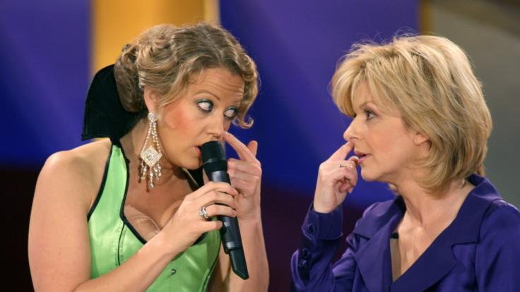 Barbara Schöneberger und Carmen Nebel im Jahr 2007. (Foto)