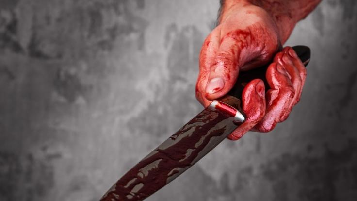 Durch eine Messer-Attacke wurde ein Teenager in Brasilien fast enthauptet. (Symbolbild) (Foto)
