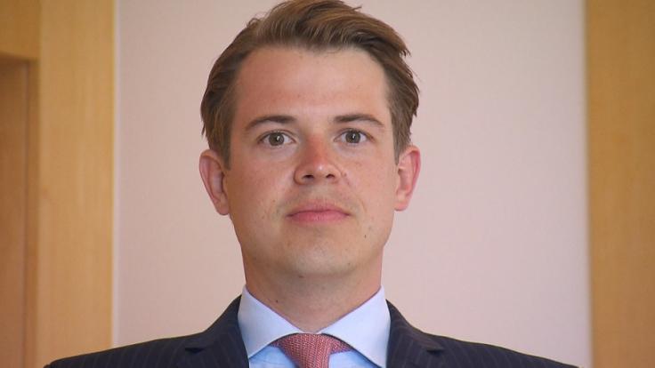 Thomas Hoyer ist der geschäftsführende Gesellschafter der Hoyer Unternehmensgruppe. Für RTL schlüpfe er in die Rolle des