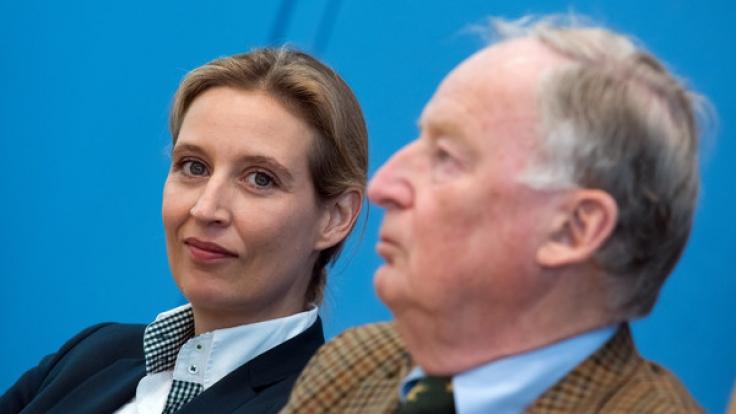 Alice Weidel (l) und Alexander Gauland sind die Bundestagswahl-Spitzenkandidaten der Alternative für Deutschland (AfD).