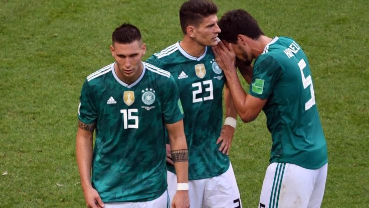 Niklas Süle , Mario Gomez und Mats Hummels können es nicht fassen - Deutschland ist ausgeschieden!