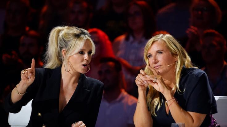 """Die Jurymitglieder von """"Das Supertalent"""": Chantal Janzen (l.) und Andrea Kiewel. (Foto)"""