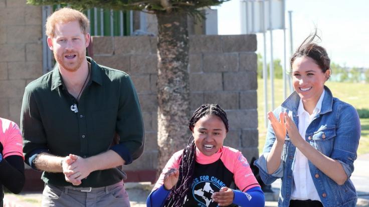 Prinz Harry und Herzogin Meghan genießen ihren Aufenthalt in Afrika in vollen Zügen. (Foto)