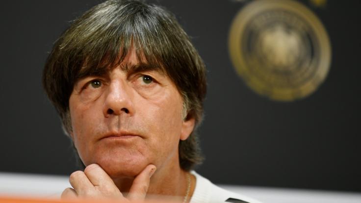 Bundestrainer Joachim Löw steht vor der Qualifikation zur Fußball-EM 2020 ein Länderspiel gegen Serbien ins Haus.