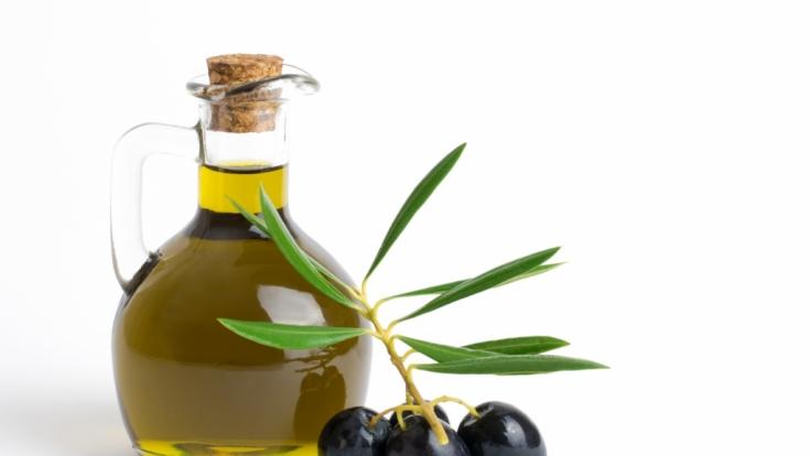 Erneut fällt Olivenöl reihenweise durch den Test. (Foto)