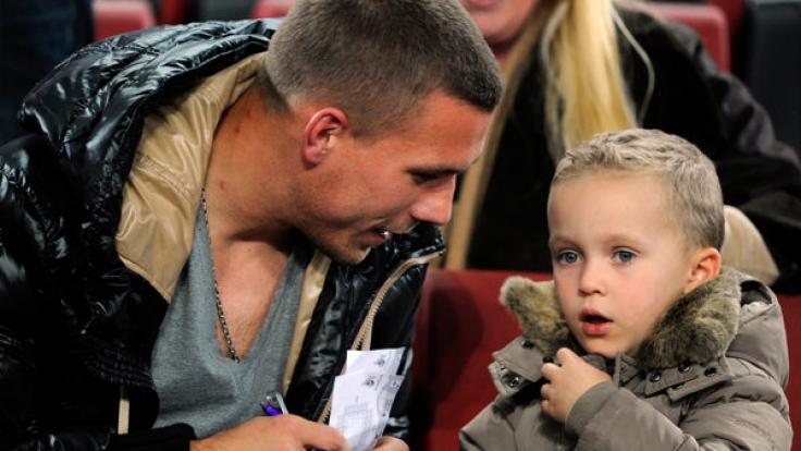Lukas Podolski und Sohn Louis sind nur eines der berühmten Vater-Sohn-Gespanne. (Foto)