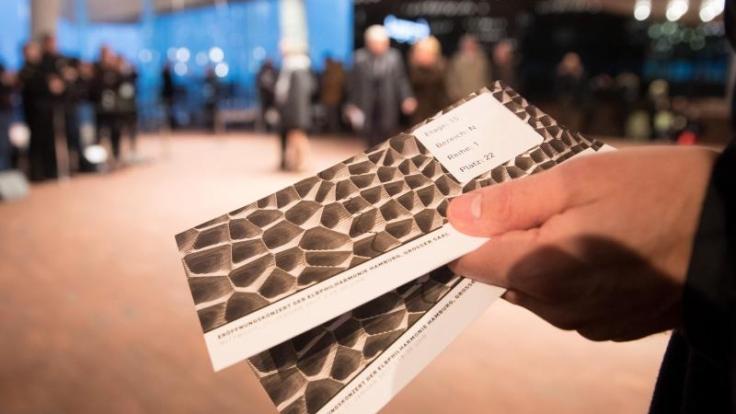 Manche Veranstalter verbieten den Weiterverkauf der Tickets. Doch das Gesetz sieht darin keinen Verstoß gegen die Regeln.