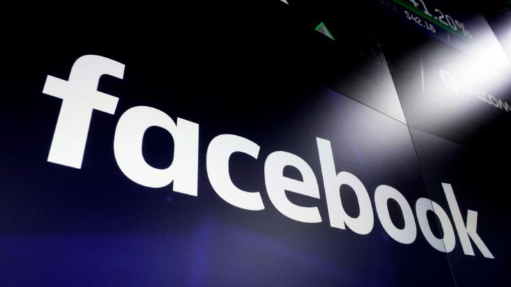 Telefonnummern von 420 Millionen Facebook-Nutzern waren nach einer Daten-Panne beim sozialen Netzwerk öffentlich einsehbar (Symbolbild).