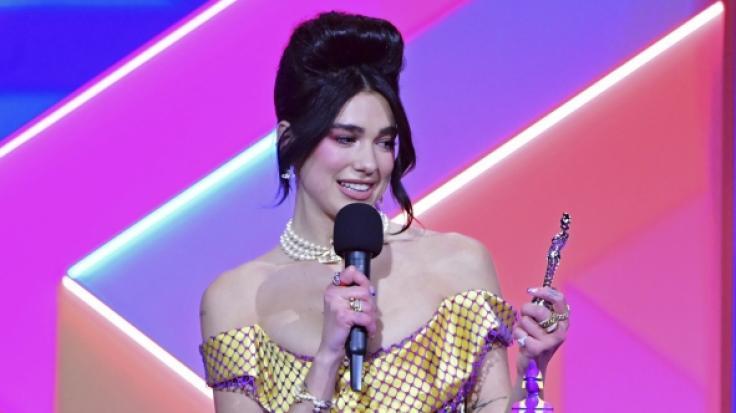Dua Lipa brachte das Publikum bei den Brit Awards um den Verstand - und auch auf Instagram fackelt die Sängerin in Strapsen das Netz ab (Foto)