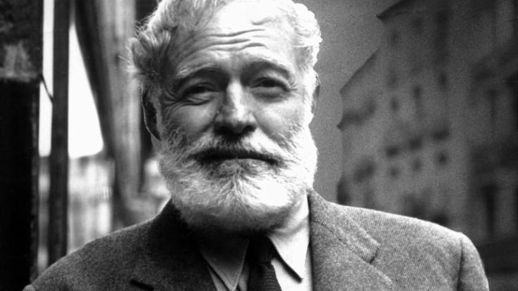 Ernest Hemingway nahm sich 1961 das Leben. Selbstmord begingen vier weitere Familienmitglieder des Schriftstellers. (Foto)
