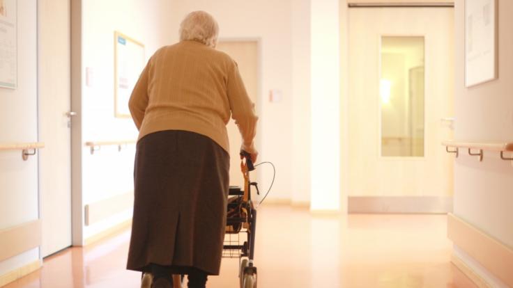 In einem Seniorenheim in Schliersee starben 17 Menschen. (Symbolfoto) (Foto)