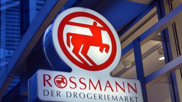 Das Drogerieunternehmen Rossmann muss sich aktuell schwere Vorwürfe gefallen lassen. (Foto)