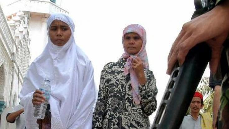 Wollen Frauen in Indonesien zum Militär oder zur Polizei, müssen Sie zunächst einen Jungfräulichkeits-Test bestehen. (Foto)
