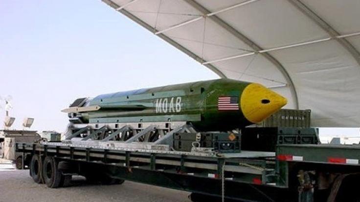 """Eine Bombe vom Typ GBU-43/B Massive Ordnance Air Blast - auch bekannt als die """"Mutter aller Bomben"""". (Foto)"""