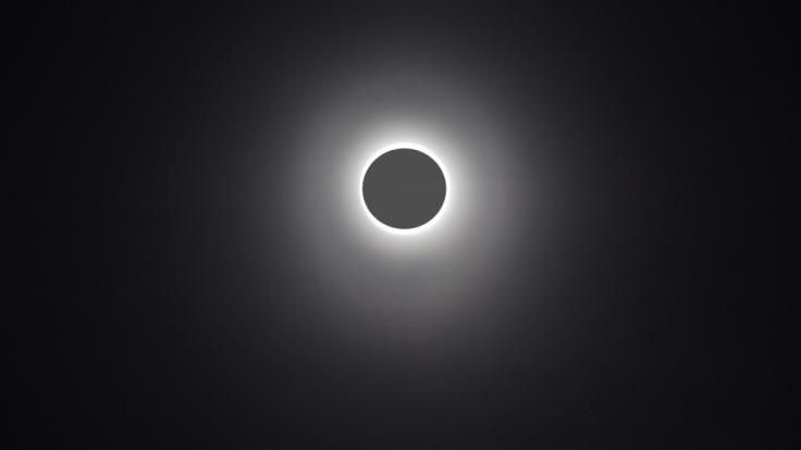 Am 21.06.2020 schiebt sich der Neumond vor die Sonne.