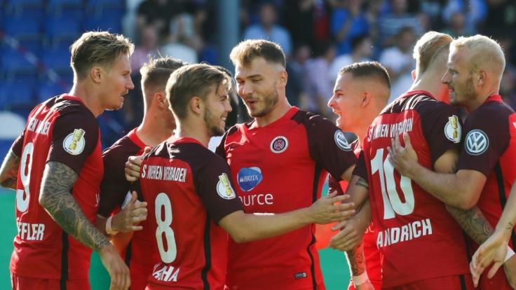 Heimspiel SV Wehen Wiesbaden: Die aktuellen Spielergebnisse der 2. Liga bei news.de