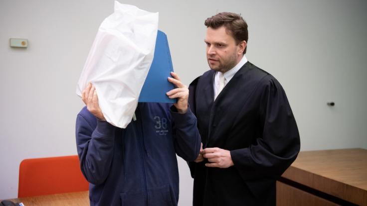 In München steht ein Mann wegen Kindesmissbrauch vor Gericht.