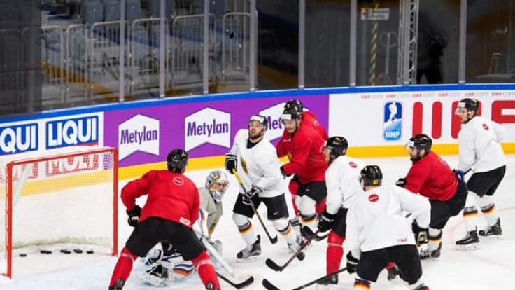 Das deutsche Team bereitet sich auf die bevorstehende Eishockey-WM vor.